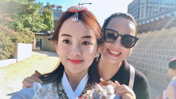 Ly Kute khoe ảnh cùng gia đình du lịch Hàn Quốc, nhưng ngoại hình bố mẹ cô mới là điều khiến dân mạng bất ngờ-3