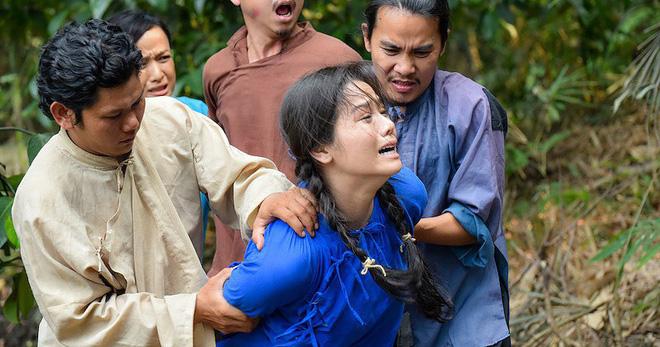 5 phân cảnh gây sốc của Tiếng Sét Trong Mưa: Không gì chấn động bằng màn cưỡng bức cô chủ - chàng hầu-5