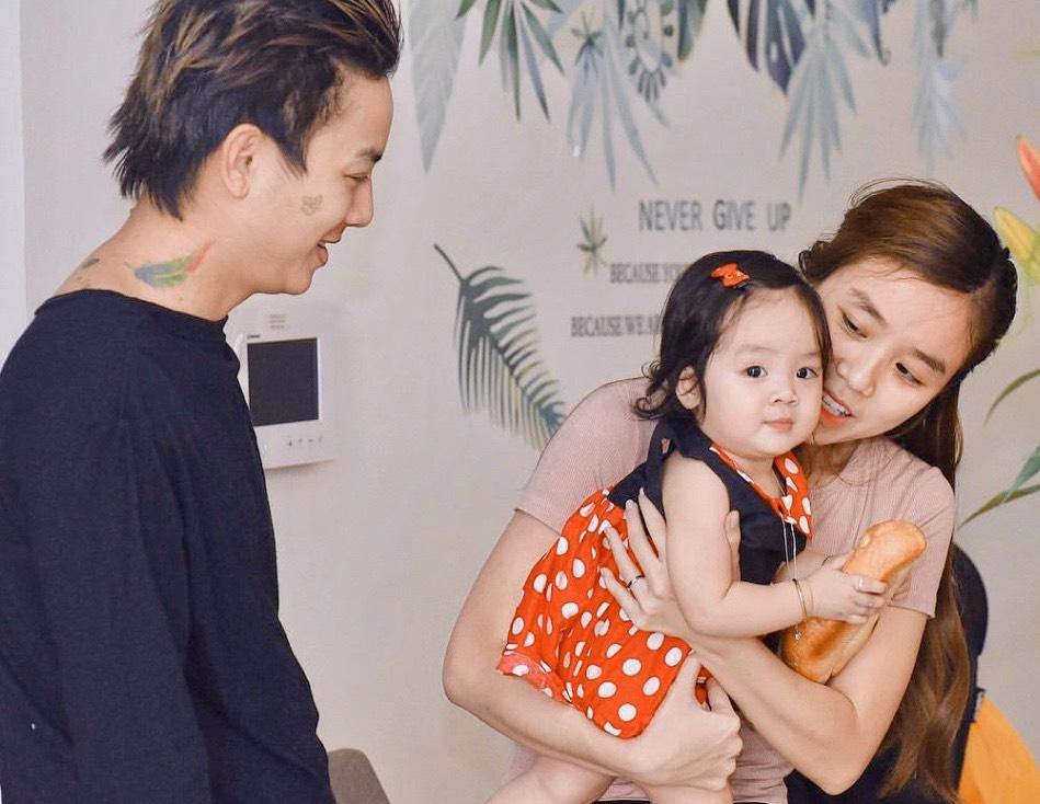 Sau công khai diện mạo con gái, vợ Hoài Lâm tiết lộ lí do không đăng ảnh cả 2 con-1