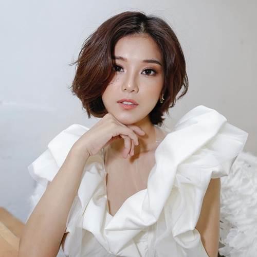 Hoàng Yến Chibi là minh chứng cho việc tóc càng xén ngắn, nhan sắc càng thăng hạng-4