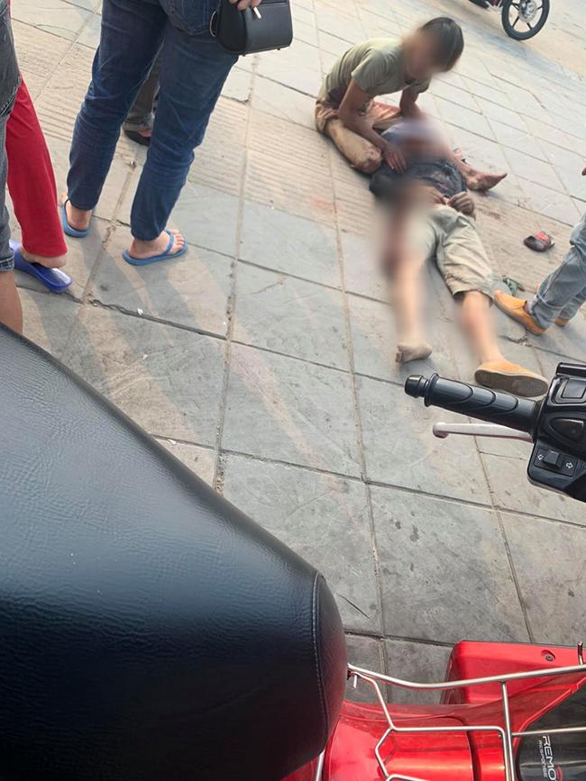 Hà Nội: Sập giàn giáo khi đang thi công xây dựng khiến 2 người rơi từ tầng 5-3