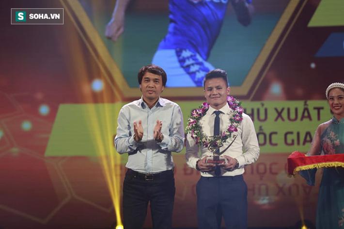 Văn Quyết: Tôi chạnh lòng vì không được giải Cầu thủ xuất sắc nhất V.League 2019-7