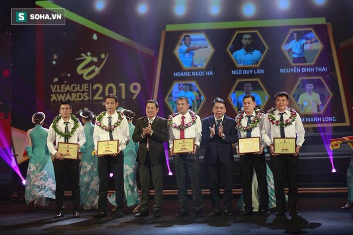 Văn Quyết: Tôi chạnh lòng vì không được giải Cầu thủ xuất sắc nhất V.League 2019-9