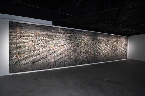'Ươm', triển lãm nghệ thuật đương đại rất mới của 3 nghệ sĩ trẻ-1