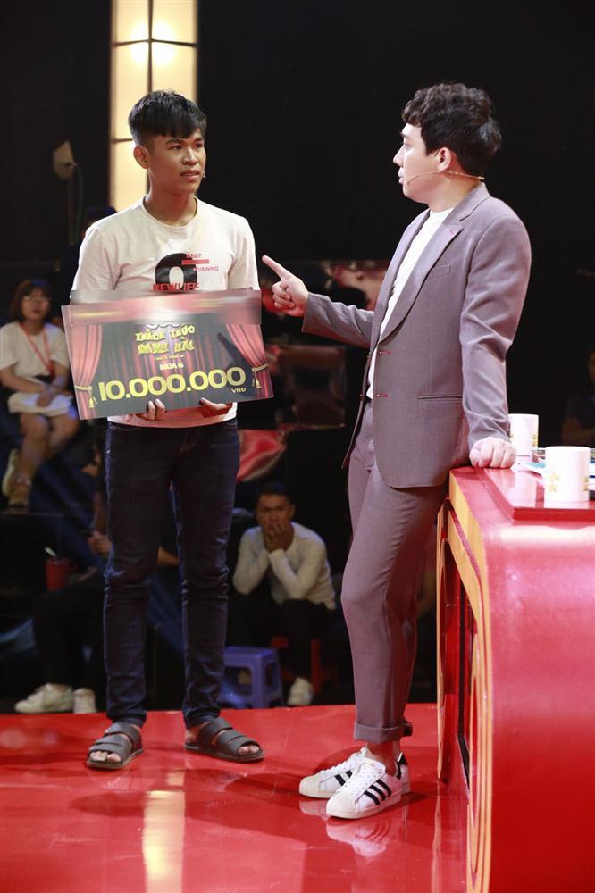 Trấn Thành, Trường Giang, Ngô Kiến Huy bị bắt quỳ gối giữa sân khấu-10