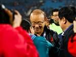 HLV Park Hang Seo chia sẻ xúc động trong ngày gia hạn hợp đồng với VFF-4