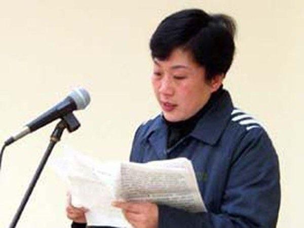Nữ phó giám đốc quan hệ với 40 sếp để thăng tiến, vào tù vẫn lên giường với quản ngục-3