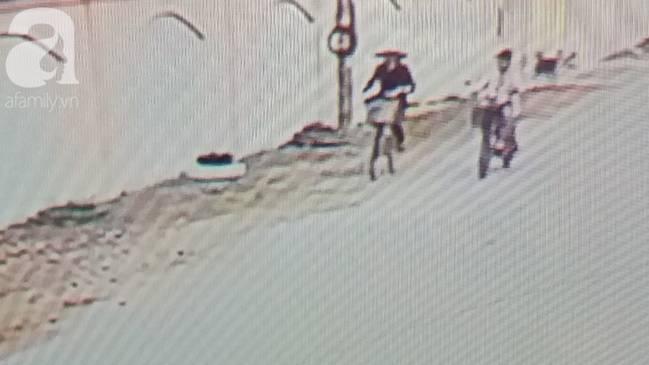 Vụ bà nhẫn tâm sát hại cháu ở Nghệ An: Bí ẩn hoa cúng nghi can mang theo ra hiện trường-5