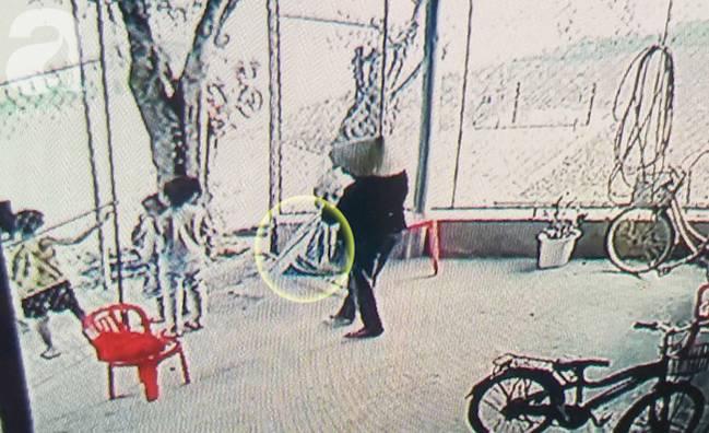 Vụ bà nhẫn tâm sát hại cháu ở Nghệ An: Bí ẩn hoa cúng nghi can mang theo ra hiện trường-7