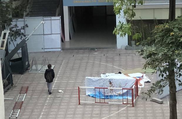 Sinh viên ĐH Kiến Trúc nhảy lầu tử vong, rơi trúng sinh viên khác khiến người này nguy kịch-1