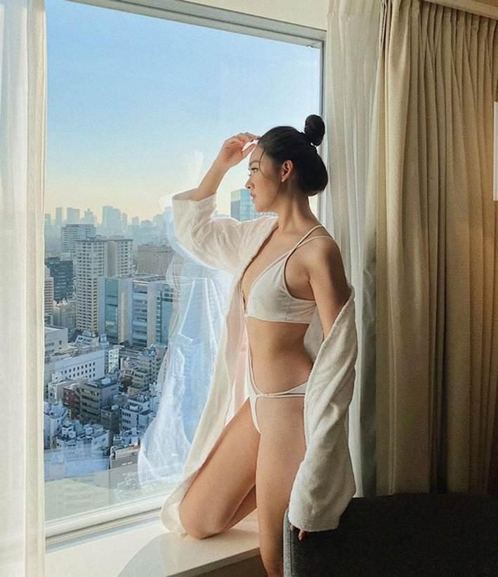 Á hậu Tường San diện áo tắm ở cuộc thi Hoa hậu Quốc tế 2019-2