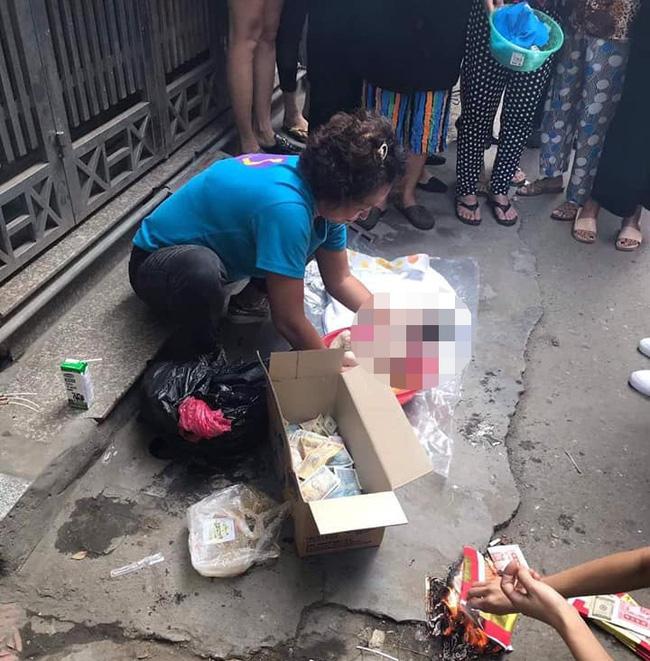 Hà Nội: Tìm ra người mẹ trẻ vứt bỏ thai nhi trong thùng rác ngõ Văn Chương-2