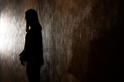Theo học trường nội trú dành cho người khuyết tật, nữ sinh khiếm thị 15 tuổi bị hai thầy giáo cưỡng hiếp liên tục trong 2 tháng trời-1
