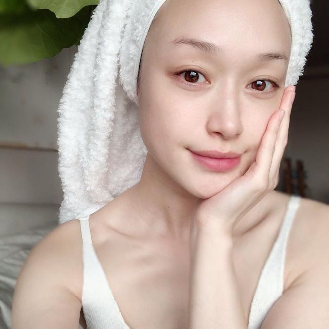 Trọn bộ 10 bí kíp skincare tâm đắc nhất của các bác sĩ, toàn tips đơn giản nhưng giúp da đẹp lên trông thấy-4