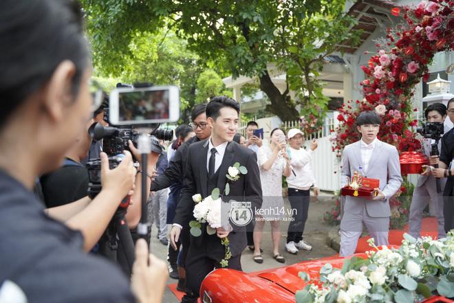 Lễ rước dâu Đông Nhi - Ông Cao Thắng: Lộ diện bố chồng quyền lực của Đông Nhi-30