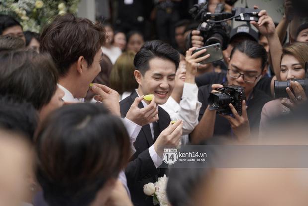 Yêu cầu oái oăm của nhà Đông Nhi khiến Ông Cao Thắng phải nhăn mặt trong đám hỏi-3