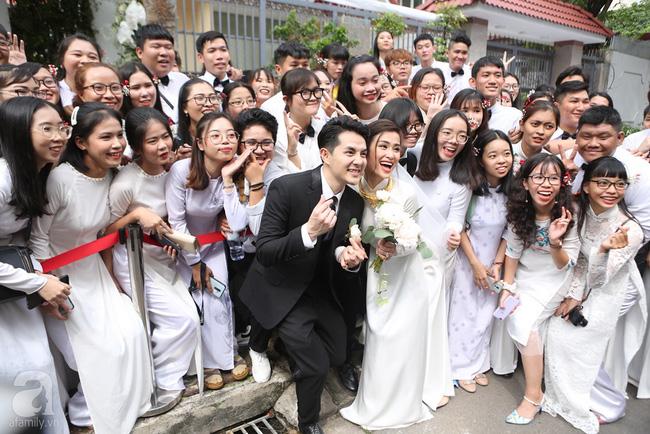 Lễ rước dâu Đông Nhi - Ông Cao Thắng: Lộ diện bố chồng quyền lực của Đông Nhi-11