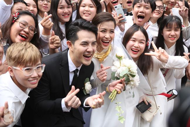 Lễ rước dâu Đông Nhi - Ông Cao Thắng: Lộ diện bố chồng quyền lực của Đông Nhi-12