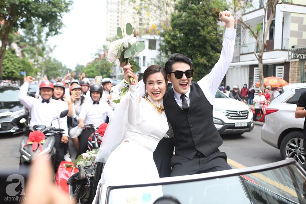 Lễ rước dâu Đông Nhi - Ông Cao Thắng: Lộ diện bố chồng quyền lực của Đông Nhi-5