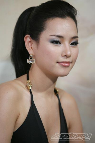 Vẻ gợi cảm của hoa hậu đẹp nhất Hàn Quốc-4