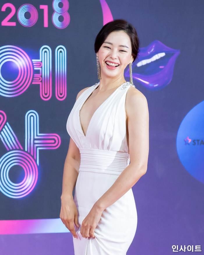 Vẻ gợi cảm của hoa hậu đẹp nhất Hàn Quốc-11