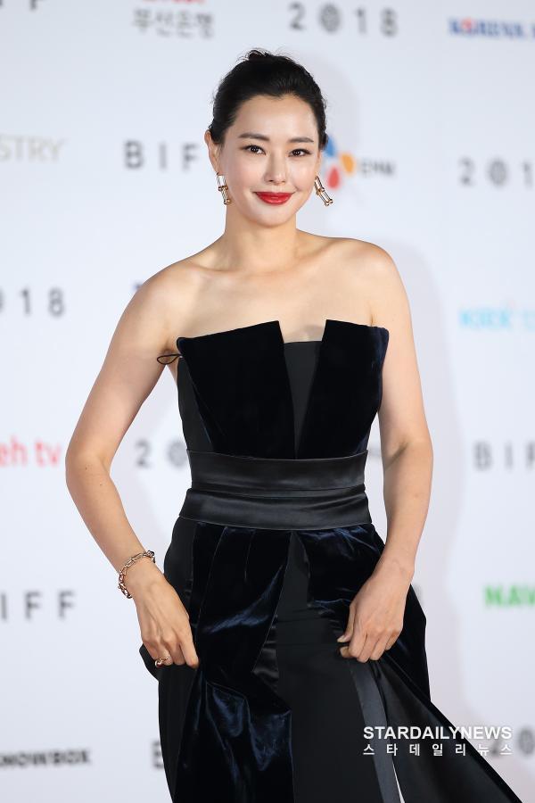Vẻ gợi cảm của hoa hậu đẹp nhất Hàn Quốc-12