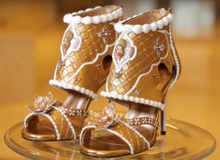 Những đôi giày đính kim cương, dát vàng có giá tới 20 triệu USD-3
