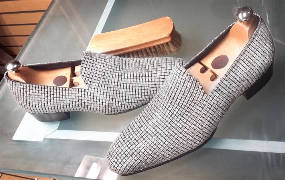 Những đôi giày đính kim cương, dát vàng có giá tới 20 triệu USD-7