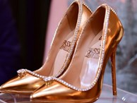 Những đôi giày đính kim cương, dát vàng có giá tới 20 triệu USD