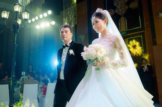 Cuộc sống của Á hậu Thanh Tú sau khi kết hôn với đại gia lớn hơn 16 tuổi-2