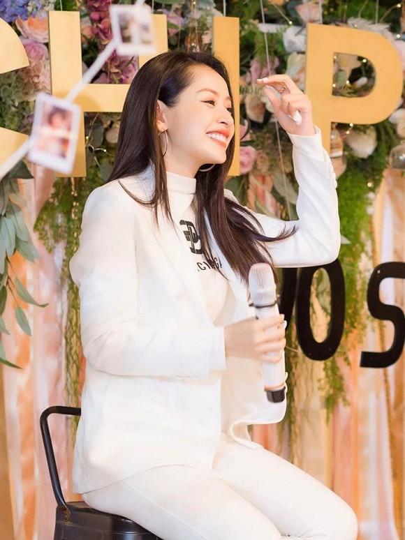 Chi Pu tung loạt ảnh quá ư là xinh chụp trong buổi họp fan tại Hà Nội-2