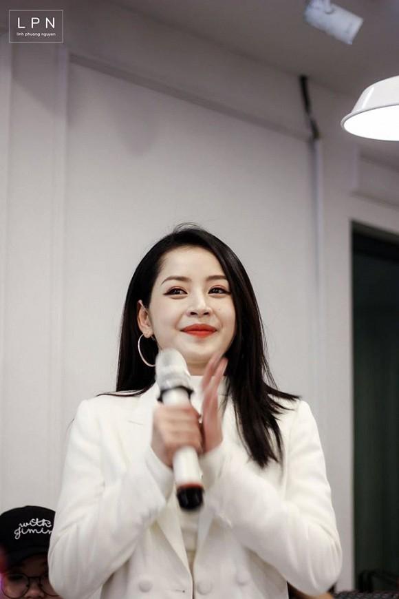 Chi Pu tung loạt ảnh quá ư là xinh chụp trong buổi họp fan tại Hà Nội-4