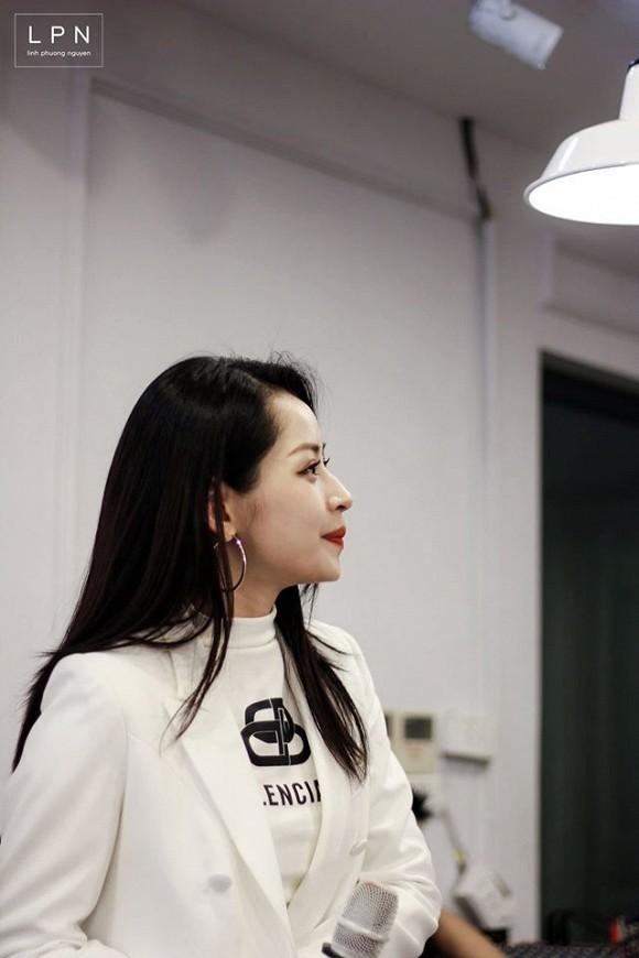 Chi Pu tung loạt ảnh quá ư là xinh chụp trong buổi họp fan tại Hà Nội-5