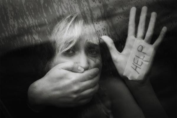 Hành trình đẫm nước mắt của cô gái bị bắt cóc làm nô lệ tình dục ở Anh-2
