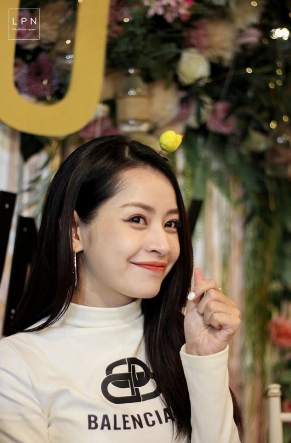 Chi Pu tung loạt ảnh quá ư là xinh chụp trong buổi họp fan tại Hà Nội-7