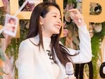 Chi Pu tung loạt ảnh 'quá ư là xinh' chụp trong buổi họp fan tại Hà Nội
