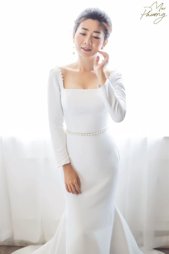 Mai Phương diện váy bó sát, tươi tắn khi sức khỏe ngày càng hồi phục-1