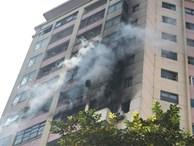 Đang cháy lớn tại chung cư trong làng quốc tế Thăng Long