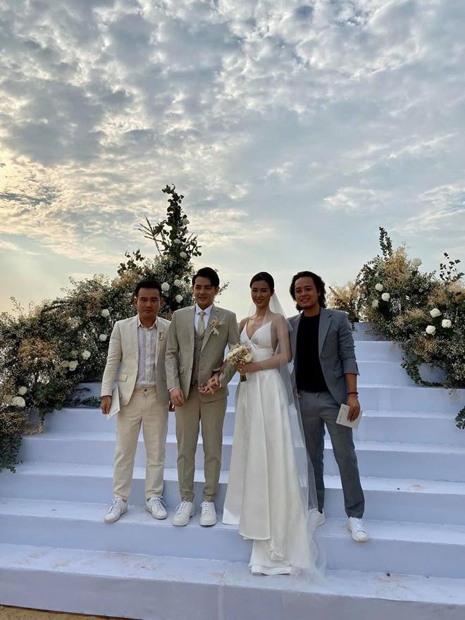 Đám cưới Đông Nhi và Ông Cao Thắng:  Chú rể xúc động nói Cảm ơn em đã dành hết Thanh Xuân của mình cho anh... Anh Yêu Em...-30