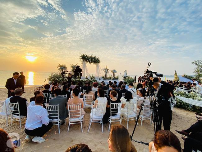 Đám cưới Đông Nhi và Ông Cao Thắng:  Chú rể xúc động nói Cảm ơn em đã dành hết Thanh Xuân của mình cho anh... Anh Yêu Em...-14