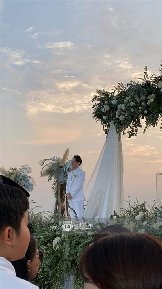 Giây phút xúc động nhất hôn lễ: Ông Cao Thắng và Đông Nhi rơi nước mắt trên lễ đường, khoảnh khắc được mong chờ nhất cũng đã đến!-4