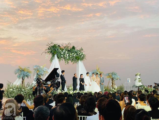 Đám cưới Đông Nhi và Ông Cao Thắng:  Chú rể xúc động nói Cảm ơn em đã dành hết Thanh Xuân của mình cho anh... Anh Yêu Em...-8