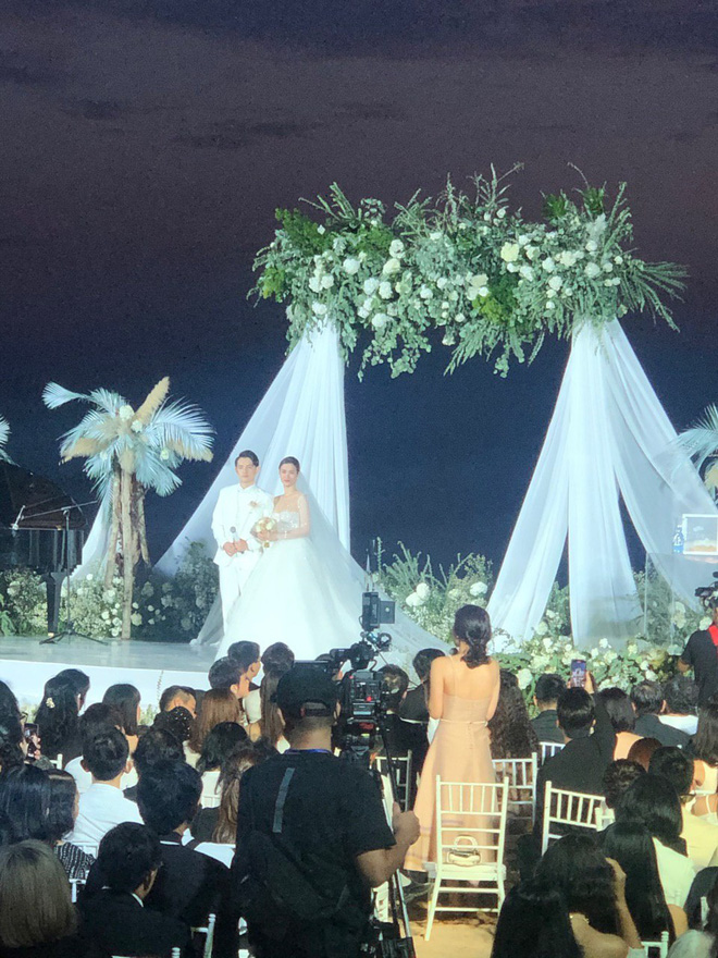 Đám cưới Đông Nhi và Ông Cao Thắng:  Chú rể xúc động nói Cảm ơn em đã dành hết Thanh Xuân của mình cho anh... Anh Yêu Em...-1