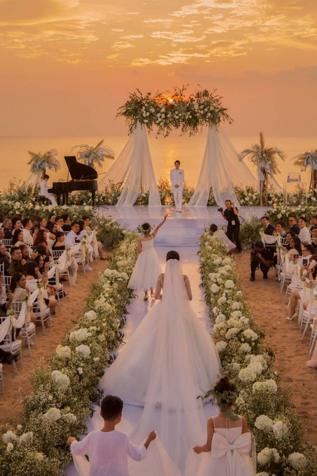Thực đơn đắt khủng khiếp trong đám cưới của Ông Cao Thắng và Đông Nhi-1