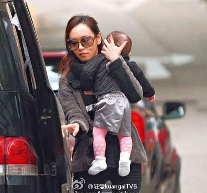 Hoa hậu Hong Kong tuột dốc vì bê bối chửa hoang, tuổi 41 nương tựa đại gia làm lại cuộc đời-3