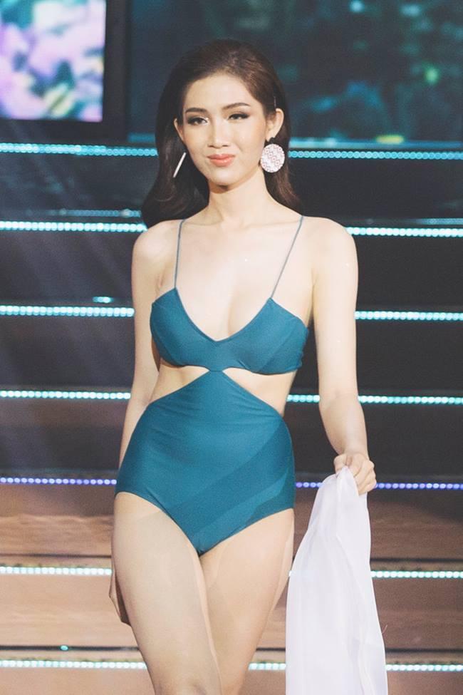 Hoa hậu, á hậu không sợ tai tiếng với đồ bơi cắt xẻ cực hiểm-19