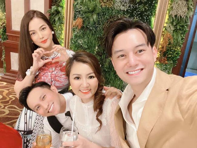 Sau thời gian bị đồn hẹn hò, Trương Ngọc Ánh lại xuất hiện bên cạnh diễn viên Sống chung với mẹ chồng Anh Dũng-2