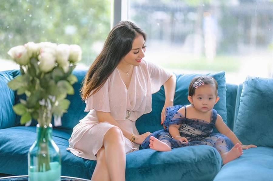 Khánh Thi phơi bày cuộc sống hằng ngày trong show thực tế-4