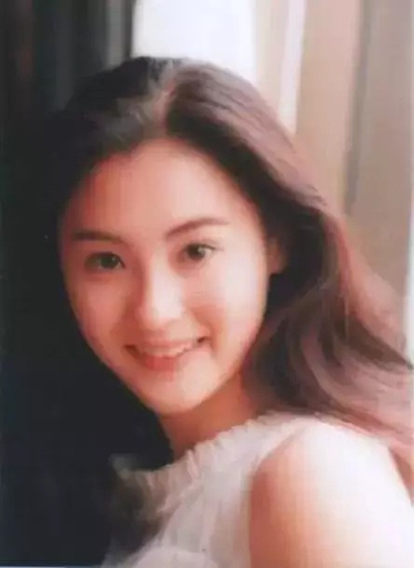 Nhan sắc hoa nhường nguyệt thẹn của Trương Bá Chi ở tuổi 20, thế mới thấy Tạ Đình Phong đã bỏ lỡ điều gì-9