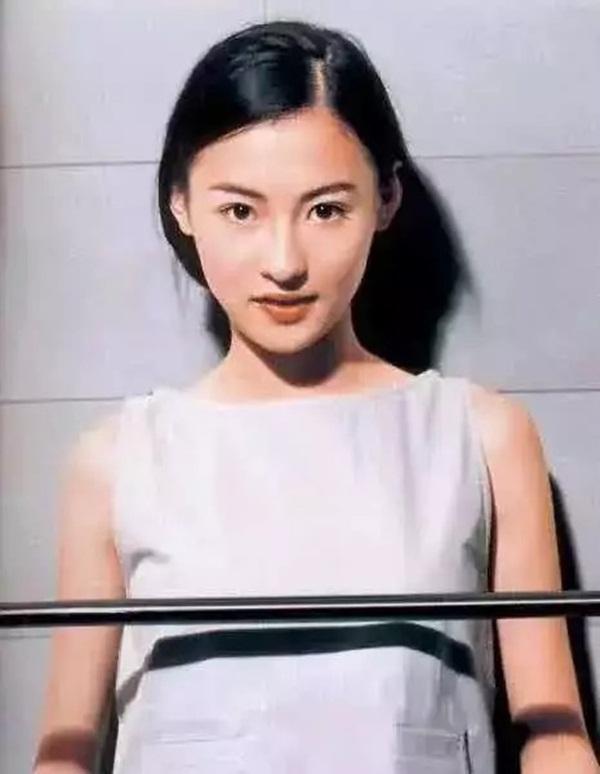 Nhan sắc hoa nhường nguyệt thẹn của Trương Bá Chi ở tuổi 20, thế mới thấy Tạ Đình Phong đã bỏ lỡ điều gì-6